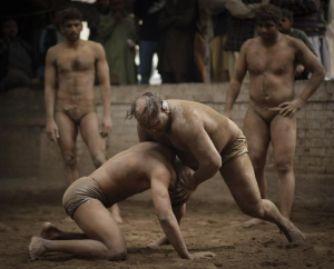 Kushti wrestlers - a real fight